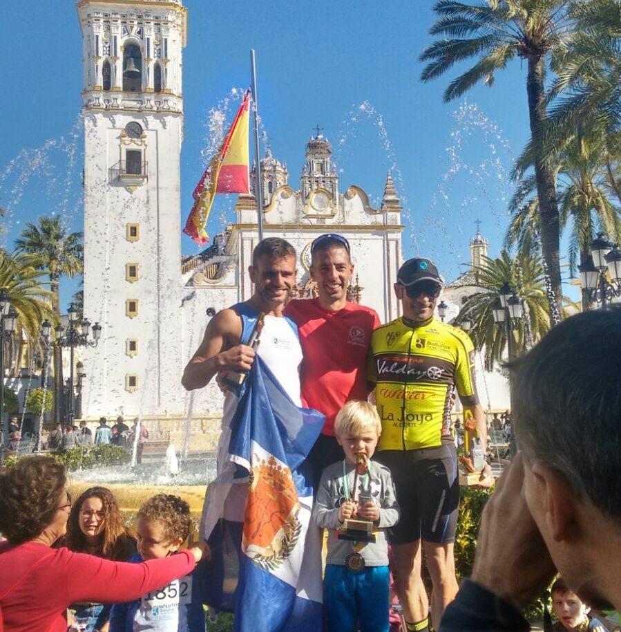 Alberto Millán y Estefanía Rouco ganan la Carrera Villa de La Palma