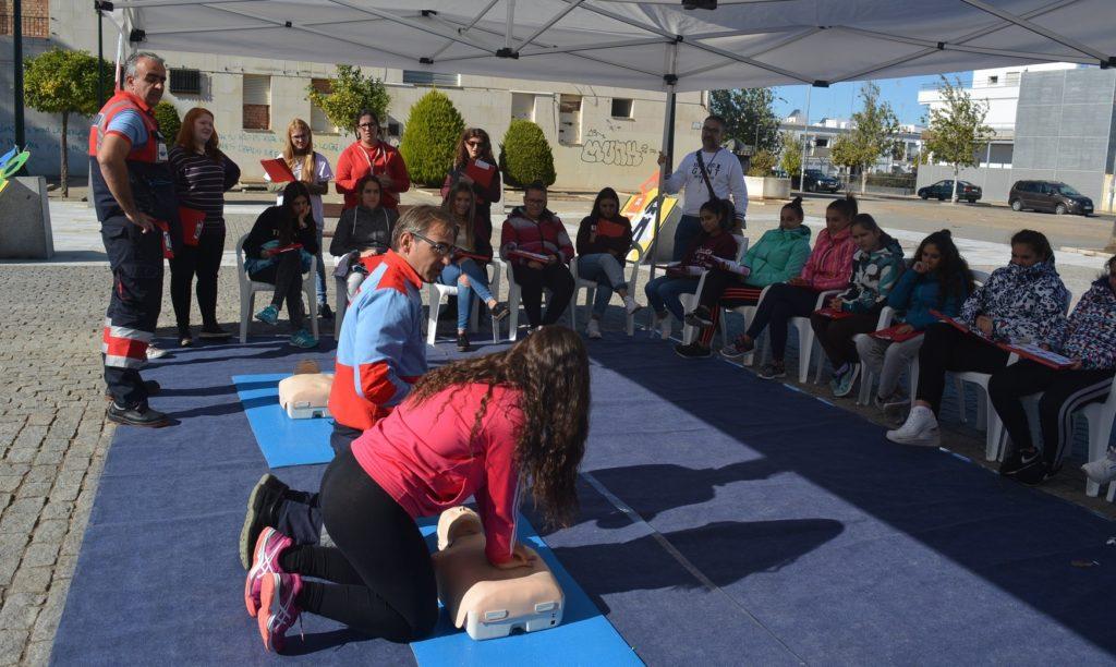 Los escolares de Isla Cristina también aprenden cómo se puede salvar una vida