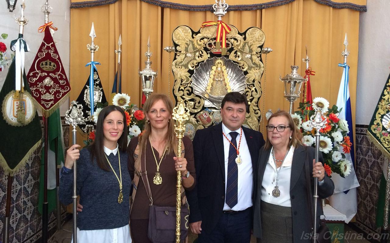 La Hermandad del Rocío de Isla Cristina con Manzanilla y emigrantes en la aldea y con la Bella en Lepe