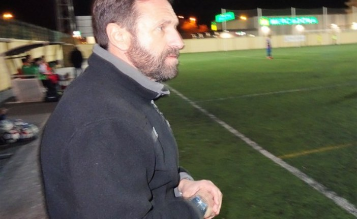 Duelo futbolero en Primera Andaluza entre almonteños e isleños
