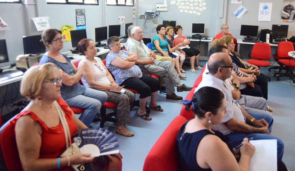 Los mayores andaluces ven mucha presencia machista y poco reflejo de la discapacidad en los medios de comunicación
