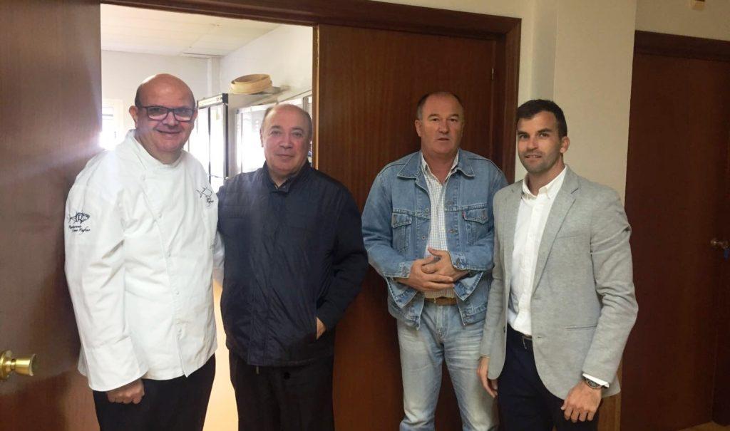 El concejal isleño José Manuel López visita sus delegaciones