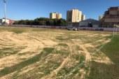 Comenzaron las mejoras del terreno de juego del Estadio Municipal de Isla Cristina