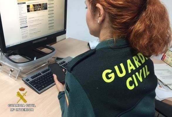 Logran detener en Isla Cristina al presunto autor del robo en una casa por usar el móvil sustraído