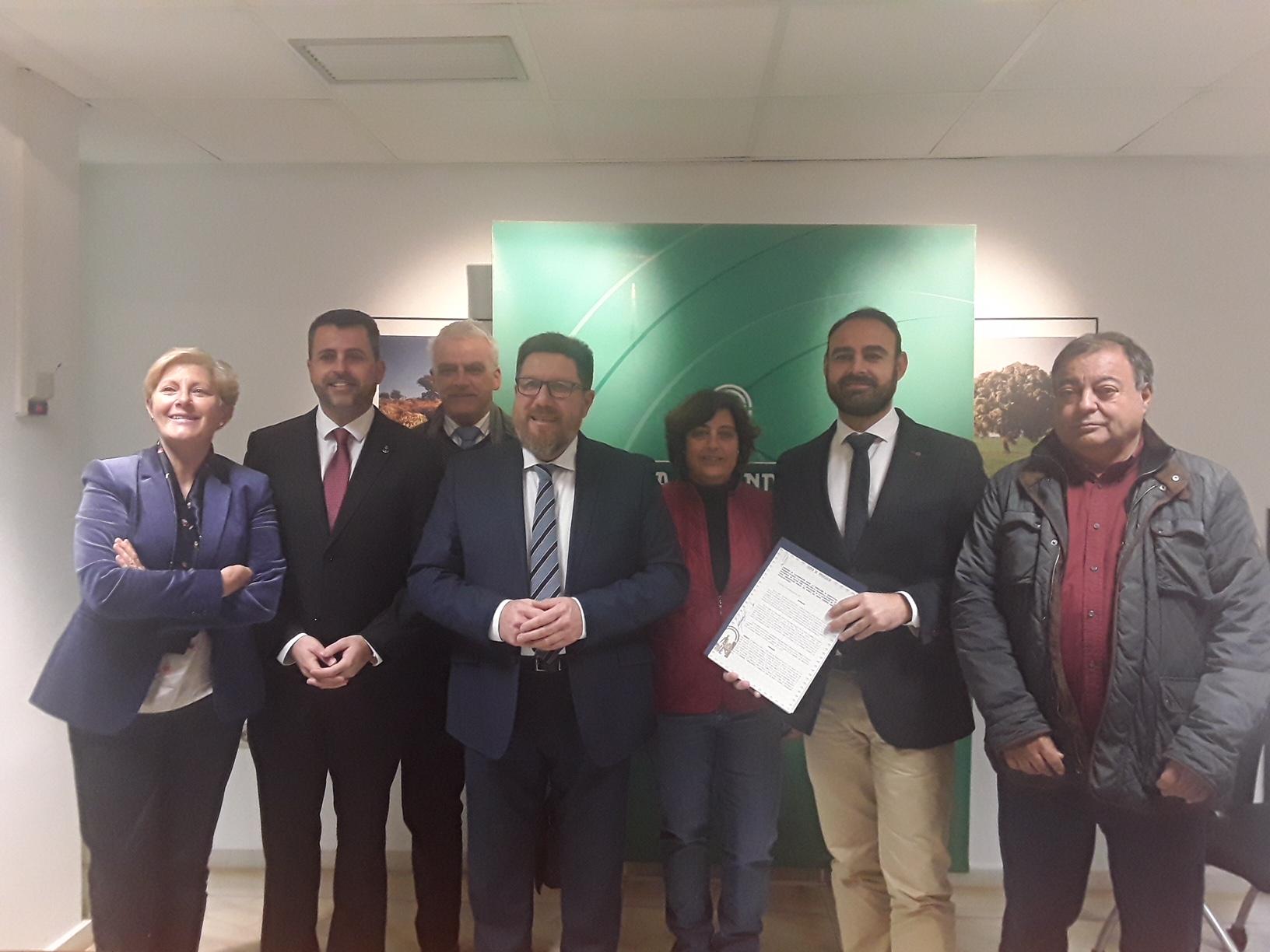 Convenio entre el Grupo Pesquero CostaLuz y la Junta de Andalucía