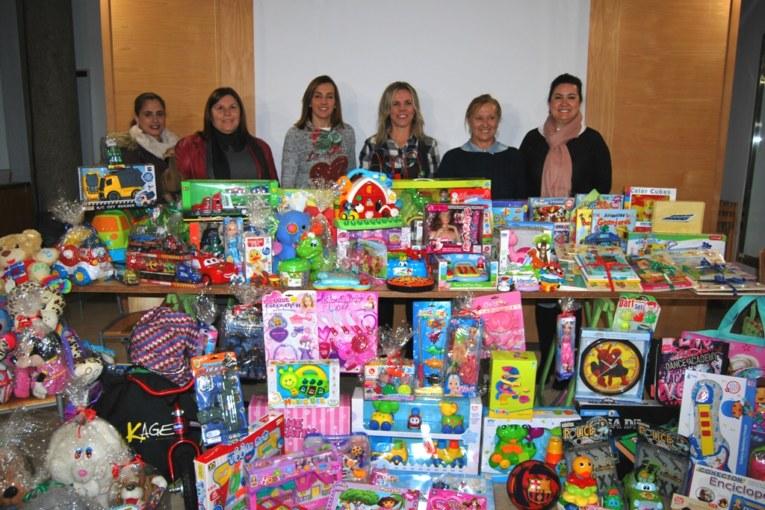 Las Escuelas Infantiles isleñas entregan los juguetes recogidos en su campaña navideña