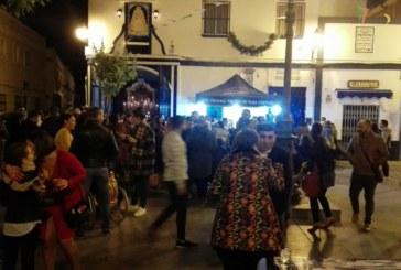 Buen ambiente navideño en la Zambomba de la Hermandad del Rocío de Isla Cristina