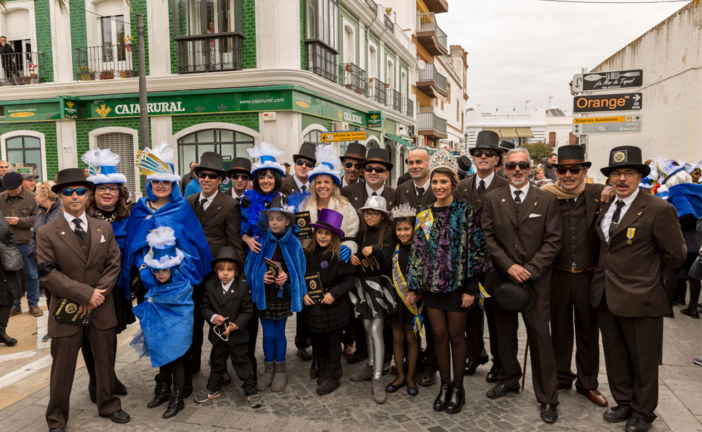Miles de viudas toman las calles de Isla Cristina