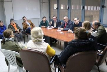 """El PP irá de la mano de los mariscadores para reivindicar a la Junta una salida """"justa"""" al cierre del caladero de la chirla"""