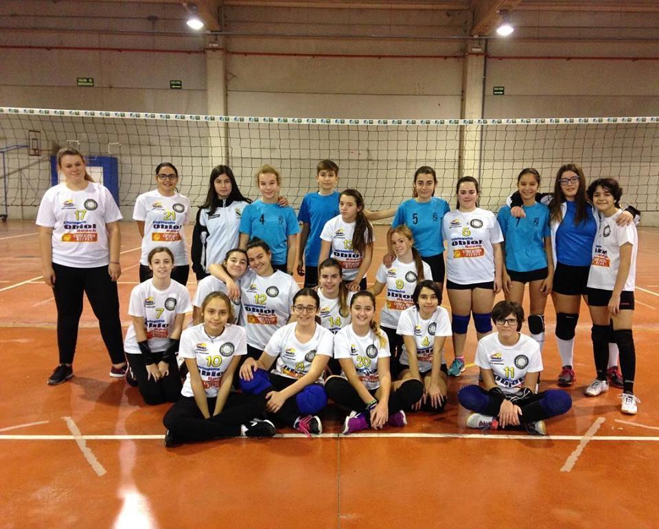 Las Chicas cadetes despiden la temporada de voleibol con victoria