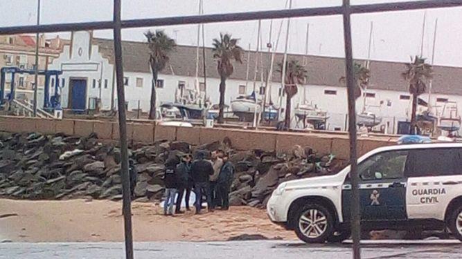 La mujer hallada ahogada en Isla Cristina era de Reino Unido y tenía 54 años