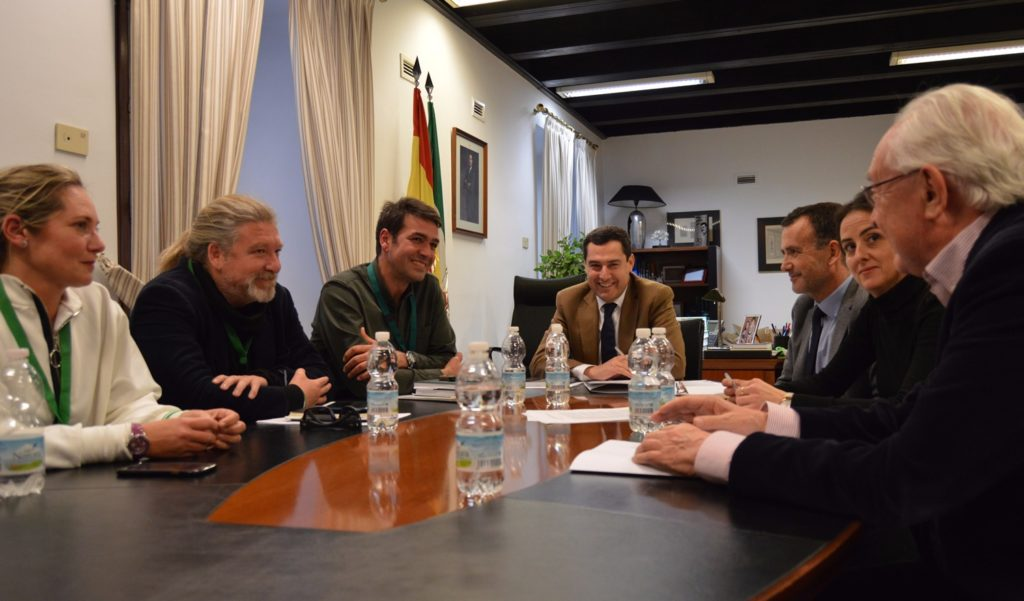 AxSí con el Grupo parlamentario PP analiza iniciativa contra la pobreza energética