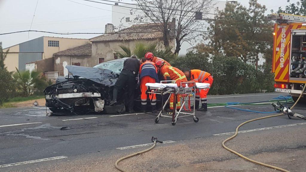 Un fallecido en la carretera que va hacia Isla Cristina por Pozo del Camino