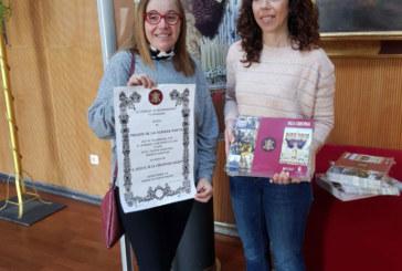 Entrega trípticos informativos y cartel del pregón de la Semana Santa de Isla Cristina 2018