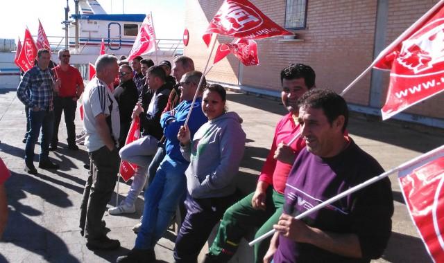 Suspendida la huelga en la lonja de Isla Cristina tras alcanzar las partes un acuerdo en el Sercla