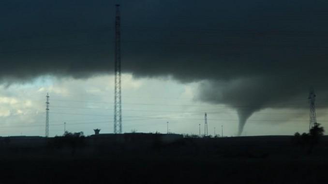 La provincia de Huelva sufre la fuerza de tornados de viento