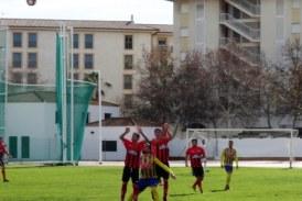 El jugador del isla Cristian Boa, baja ante el Coria por sanción