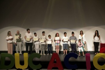 El Ayuntamiento de Isla Cristina rinde un año más homenaje a la Comunidad Educativa