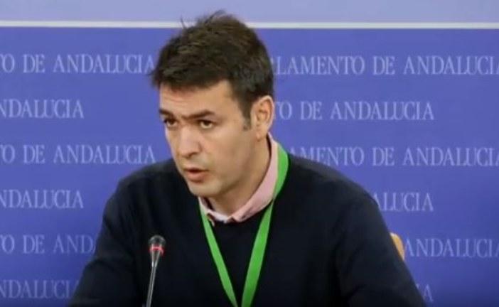 """AxSí: """"Pedro Sánchez allana el camino de Susana Díaz usando dinero público"""""""