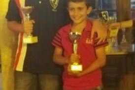 Kevin Irala Campeón sub 10 del VI Torneo Nocturno de Ajedrez Villa de La Redondela