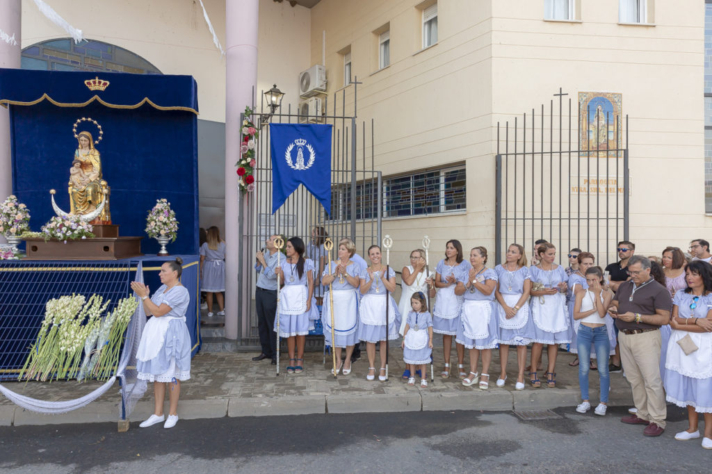 Concurrida Ofrenda Floral a la Virgen del Mar en Isla Cristina