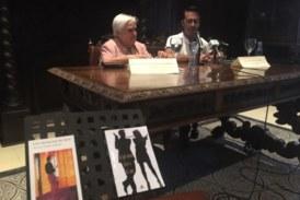 La extremeña Encarna Nogales presentó su nuevo libro en Isla Cristina