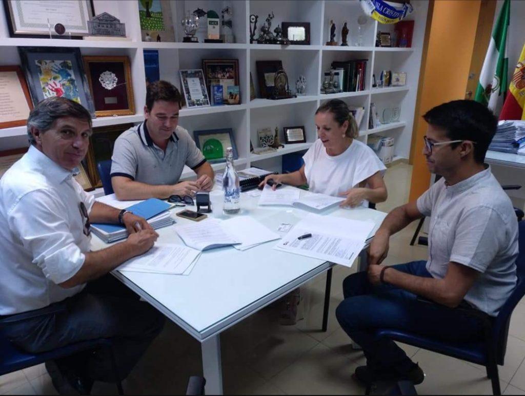 Firmado el contrato para la rehabilitación del Ayuntamiento de Isla Cristina