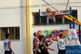 La Liga de Verano de baloncesto de Isla Cristina llega a semifinales