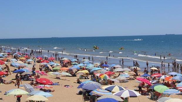 Hallan restos óseos humanos en la Playa la Gaviota de Isla Cristina