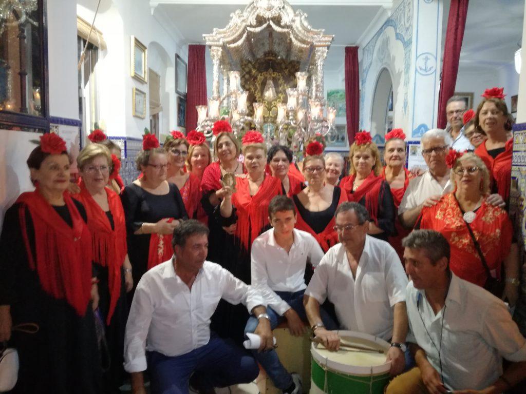 José Antonio Aguilera y el Coro del centro de día de personas mayores de Isla Cristina cantan la Salve!!