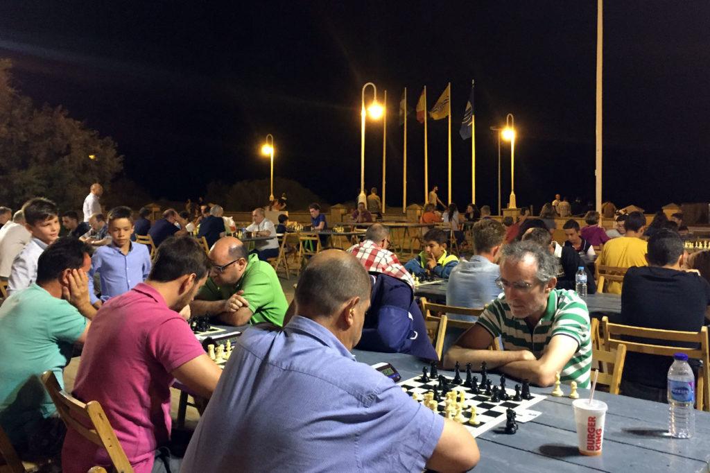 Todo a punto para la celebración del III Abierto Nocturno de Ajedrez de Islantilla