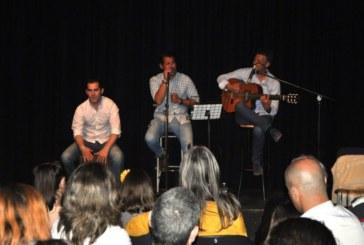 Actuación del grupo isleño A 4:40 en la prisión de Huelva