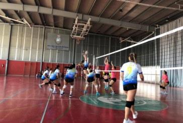 Debut en casa del Club Voleibol Isla Cristina