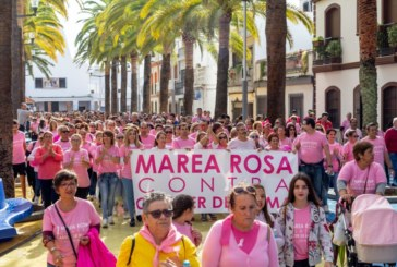 Imágenes: I Marcha Contra el Cáncer de Mama Celebrada en Isla Cristina