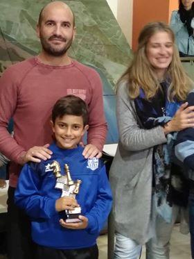 Kevin Irala Campeón sub 16 del I Torneo de Ajedrez 'Día sin juegos de azar'