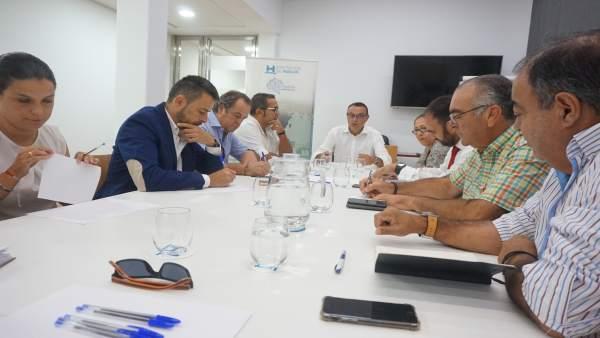 La Mesa de la Pesca analiza y aborda acciones de promoción del sector y sus productos