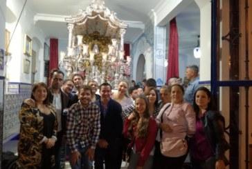"""Los """"Amigos Rocieros"""" cierran esta temporada la Salve en Isla Cristina"""