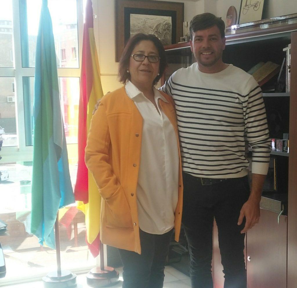La Alcaldesa de Punta Umbría Aurora Águedo recibe al Compositor  isleño Antonio Pérez Silva