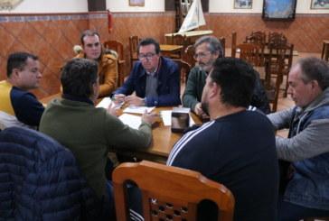 """González denuncia el """"desamparo"""" de la pesca onubense ante el desmantelamiento del sector que pretenden PSOE y C`s"""
