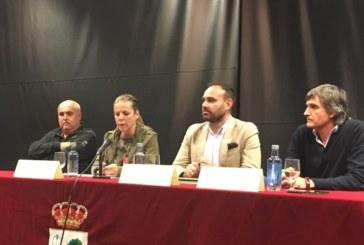 Junta y Ayuntamiento de Isla Cristina, mantienen un encuentro con el sector del pulpo